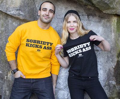 T-shirt: Sobriety kicks ass
